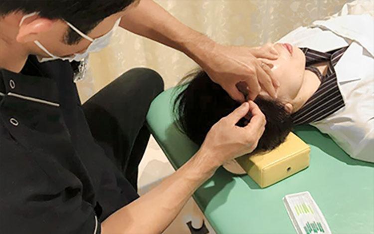 2F 痛み専門医の指導を受けた鍼灸師が施術